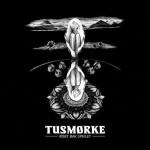 TUSMORKE – Riset Bak Speilet