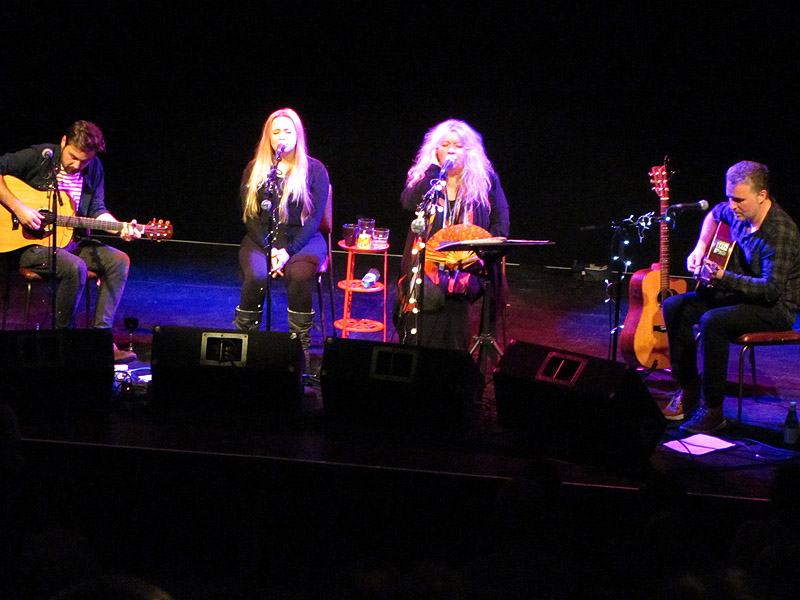 JUDIE TZUKE - The Met, Bury, 12 November 2015