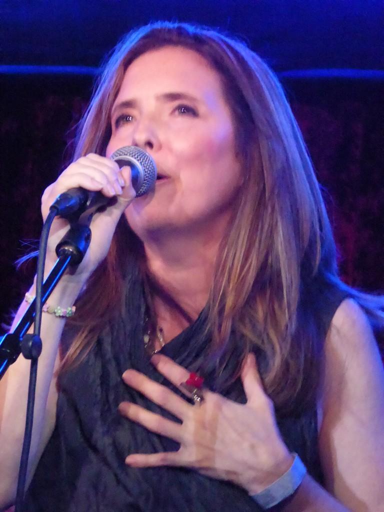 Fiona (singer)