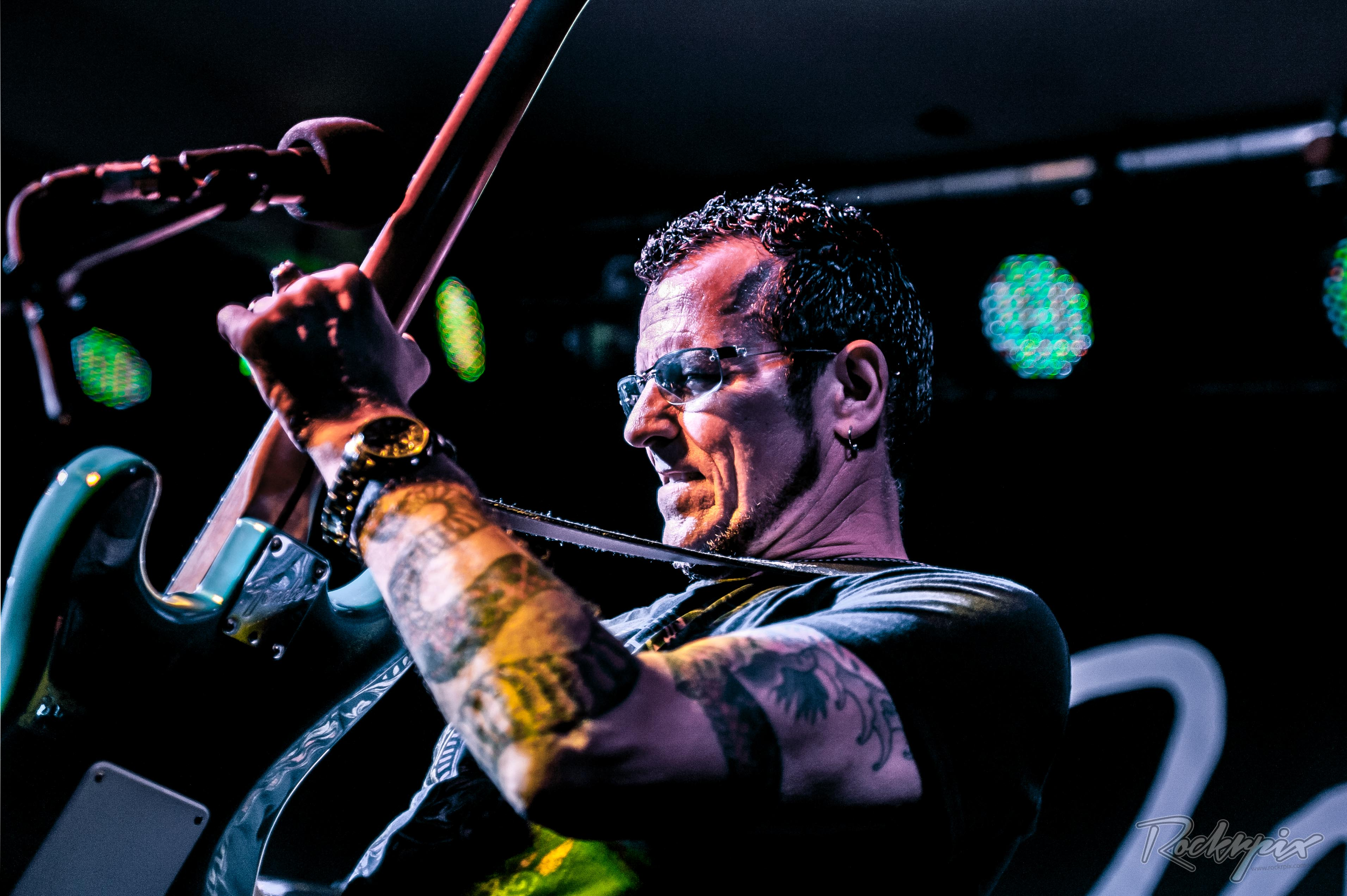 Gary Hoey by Rockrpix