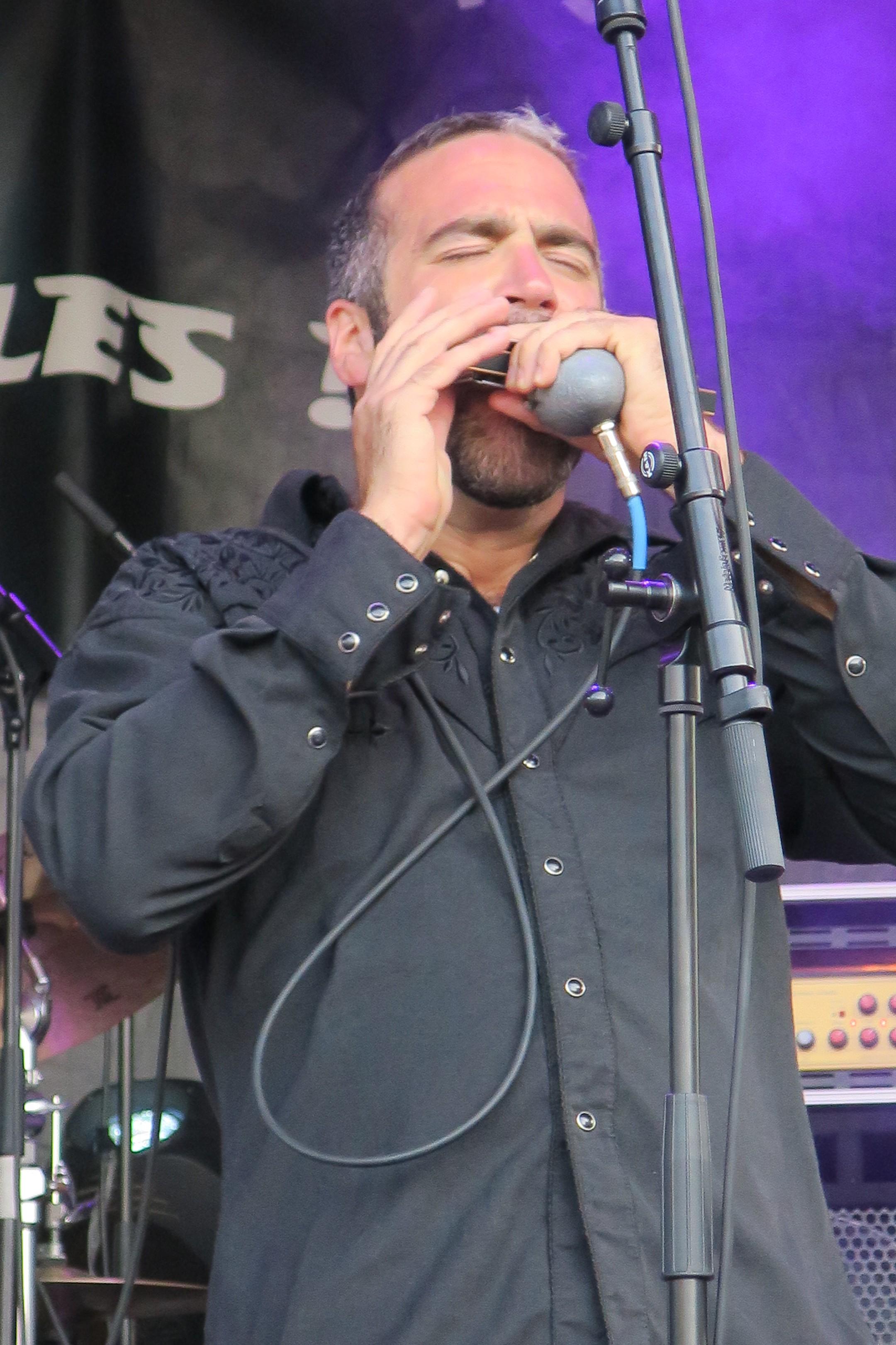 Greg Izor harp