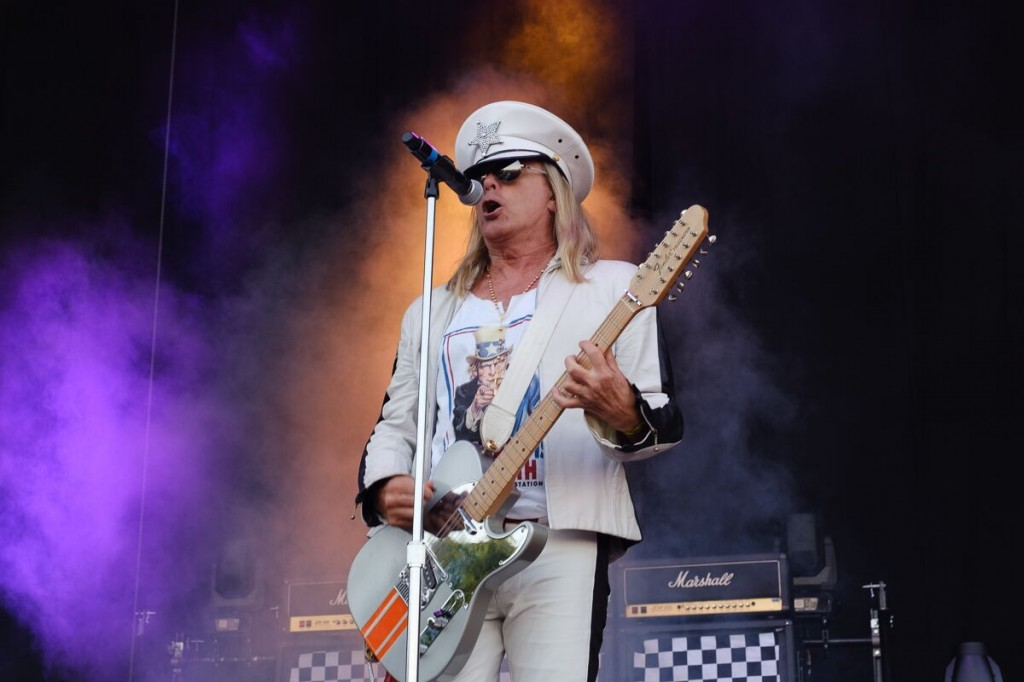 Cheap Trick - RAMBLIN' MAN FESTIVAL - Day 2 - Mote Park, Maidstone - 20 July 2019